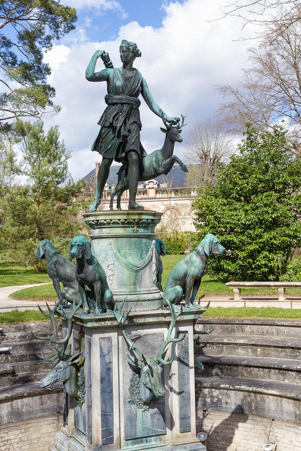 Ext rieurs du ch teau de fontainebleau visite des jardins for Statue fontaine de jardin